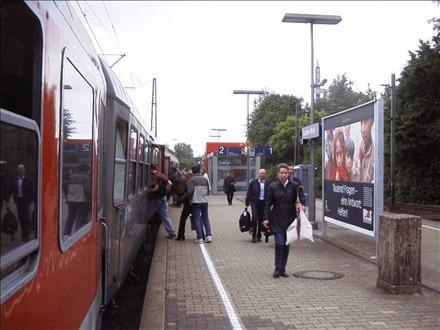 S-Bf West, Bahnsteig, Gleis 2, 52072, Mitte