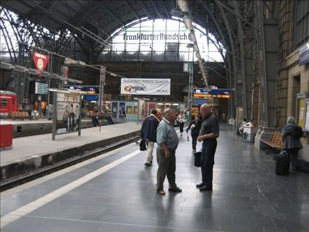 Hbf, Zw.-Bstg., Gleis 1, Abschnitt A, 2. Sto., 60329, Bahnhofsviertel