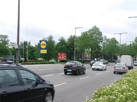 Neureuter Str. 8a/B 36 /Lidl (neb. Einfahrt), 76185, Mühlburg