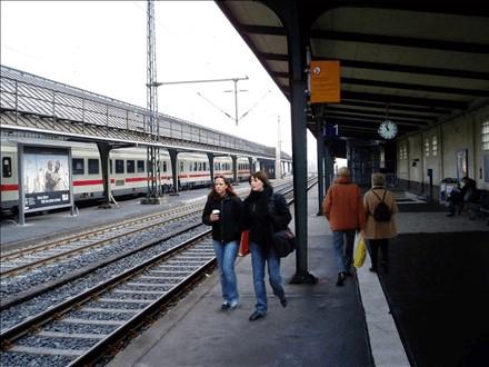 Hbf, Zw.-Bstg.,Gleis 2, Abschnitt F, 26122, Weser-Ems-Halle